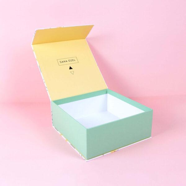 renkli desenli mıknatıslı kutu