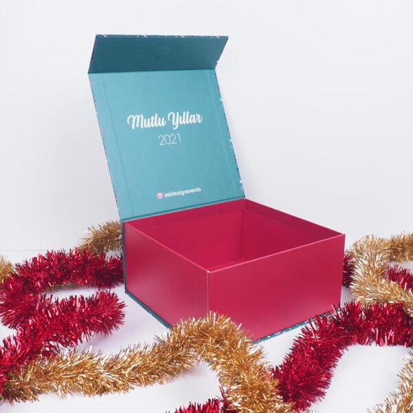 yeni yıl hediye kutusu